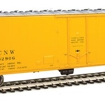 50' PC&F Insulated Boxcar - Ready to Run Chicago & North Western(TM) #32906 (yellow, black, silver;)