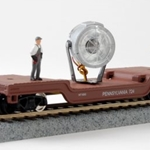 Model Power 98219 Pennsylvania Railroad 40' Depressed-Center Flatcar w/Floodlight - Ready to Run