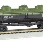 Bachmann 17102 British American Oil #BAOX 3769 - 40' Three Dome Tank Car (HO)