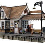 785-4942 Woodland Scenics Co The Depot - Built & Ready Landmark Structures(R)
